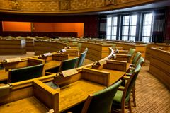 Sala de reunión en ayuntamiento de Oslo foto de archivo