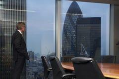 Sala de reuniões e homem Foto de Stock Royalty Free