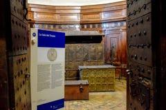 Sala de tesouro no museu de Sant 'Angelo Castle Italy imagens de stock royalty free