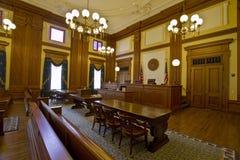 Sala de tribunal del edificio histórico Fotografía de archivo