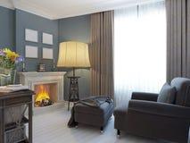 Sala de visitas com chaminé Imagem de Stock Royalty Free