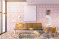 Sala de visitas cor-de-rosa do favo de mel, cartaz, borrão da mulher Imagens de Stock