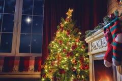 Sala de visitas decorada para o xmas Imagem de Stock Royalty Free