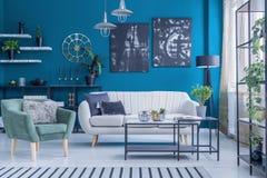 Sala de visitas verde e azul imagem de stock