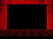 Sala del teatro con la fase, le tende ed i sedili Fotografie Stock Libere da Diritti