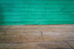 Sala dimensional com um assoalho almofadado madeira da parede e da madeira foto de stock royalty free