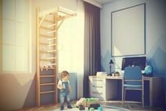 Sala do bebê s com um computador, uma escada tonificada Foto de Stock