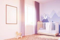 Sala do ` s do bebê com uma ucha e um cartaz, tonificados Imagem de Stock Royalty Free