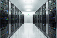 Sala do server no datacenter Fotografia de Stock Royalty Free
