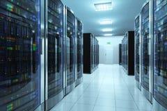 Sala do servidor no datacenter Imagens de Stock