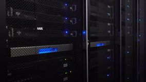 Sala do servidor Tecnologia da telecomunicação do Internet e da rede da Web, super-computador grande do armazenamento de dados  T filme
