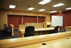 Sala do tribunal vazia Fotos de Stock