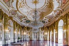 Sala do trono (Sala faz Trono) no palácio de Queluz, Portugal Fotos de Stock