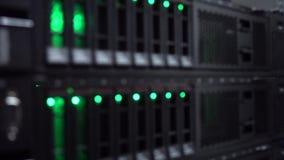 Sala dos dados do servidor do conjunto Datacenter do sata de HDD O vídeo contém o ruído e a cintilação vídeos de arquivo