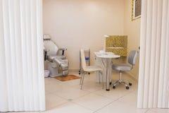 Sala dos serviços do tratamento de mãos e do pedicure Imagens de Stock