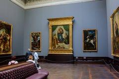 Sala em uma galeria de arte onde o Sistine Madonna, Dresden Art Gallery, Zwinger fotografia de stock royalty free