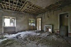 Sala frescoed abandonada velha Fotografia de Stock Royalty Free