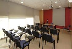 Sala lekcyjna, pusta sala lekcyjnej firma zdjęcia royalty free