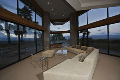 Sala luxuosa da sala de estar Fotos de Stock Royalty Free