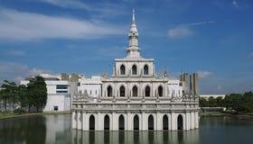 Sala Phum Khao Bin badade i morgonljus Royaltyfria Bilder