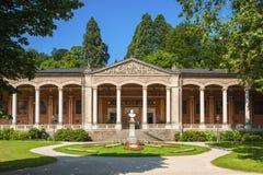 Sala pompe con le colonne del Corinthian in Baden-Baden Fotografie Stock Libere da Diritti