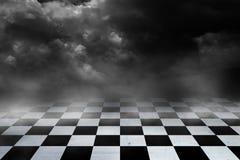 Sala preto e branco do Grunge do assoalho do verificador imagens de stock royalty free