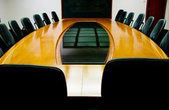 Sala riunioni in bianco immagini stock libere da diritti