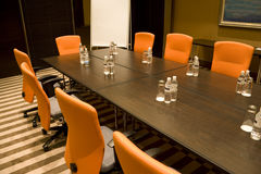 Sala riunioni moderna immagini stock libere da diritti