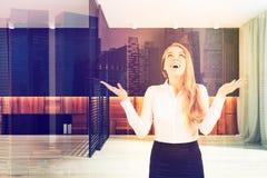 Sala watiting do escritório, poltrona, mulher de negócios Imagem de Stock