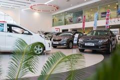 Sala wystawowa KIA i samochód przedstawicielstwo handlowe Kia Kirov w Kirov mieście Obrazy Royalty Free