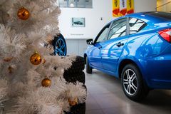 Sala wystawowa Lada i samochód przedstawicielstwo handlowe Gusar fabryczny Avtovaz wewnątrz Obraz Stock