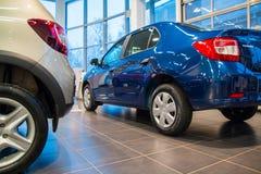 Sala wystawowa Renault i samochód przedstawicielstwo handlowe Tehzentr Gusar w Kirov c Obraz Stock