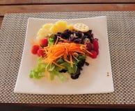 Salad…yummy e sano fotografia stock