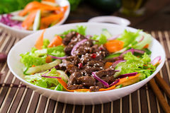 Salad with beef teriyaki Royalty Free Stock Photography