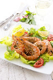 Salad with Fried Prawns and Tomatos Royalty Free Stock Photos