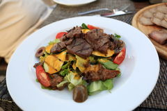 Salad with grilled veal and mushrooms Royalty Free Stock Photography