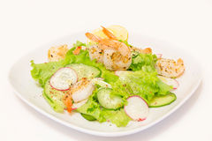 Salad with shrimps and fresh vegetables Royalty Free Stock Images