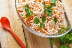 Vegetal da salsa da salada do alimento das cenouras do aipo de madeira Fotografia de Stock Royalty Free