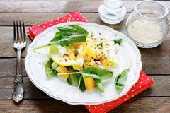 Salada com aipo na placa branca Imagens de Stock