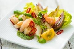 Salada com camarão Imagem de Stock Royalty Free