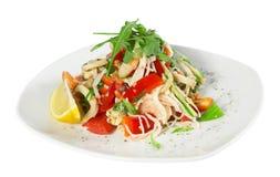 Salada com camarão e calamar Imagens de Stock Royalty Free