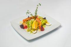 Salada com camarão Foto do estúdio Foto de Stock Royalty Free