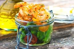 Salada com camarões Imagem de Stock Royalty Free