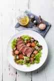 Salada com carne assada Foto de Stock