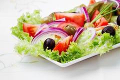 Salada com legumes frescos Fotos de Stock