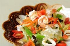 Salada com marisco imagem de stock