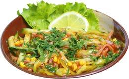 Salada com milho, pepinos e molho de tomate Imagens de Stock