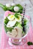 Salada com ovo de codorniz Imagem de Stock