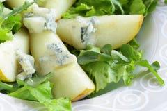 Salada com pera e queijo azul Fotos de Stock Royalty Free
