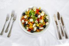 Salada com queijo Fotos de Stock